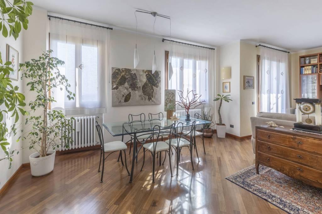 Appartamento in Vendita a Cortona Centro: 5 locali, 140 mq