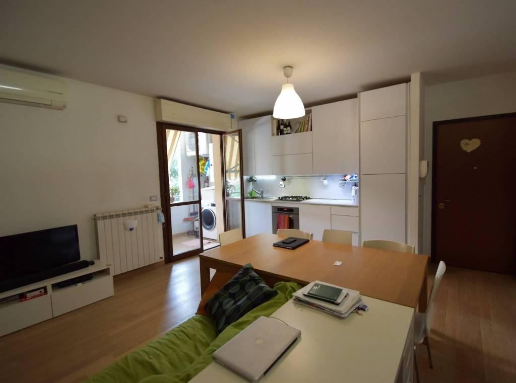 Appartamento in vendita a Prato, 3 locali, prezzo € 176.000 | CambioCasa.it