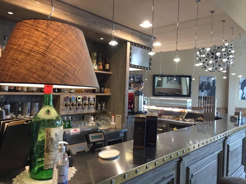 Ristorante / Pizzeria / Trattoria in vendita a Borgo San Lorenzo, 3 locali, prezzo € 98.000 | CambioCasa.it