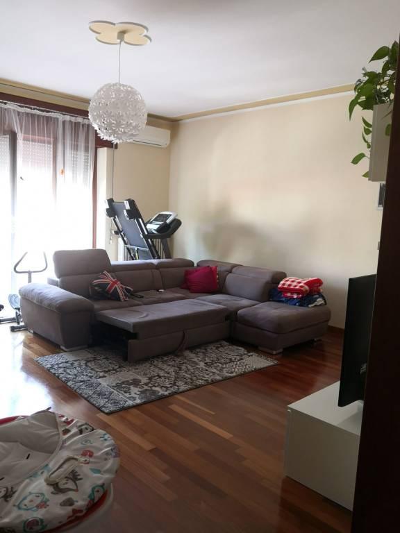Appartamento in affitto a Bussolengo, 5 locali, prezzo € 600   CambioCasa.it