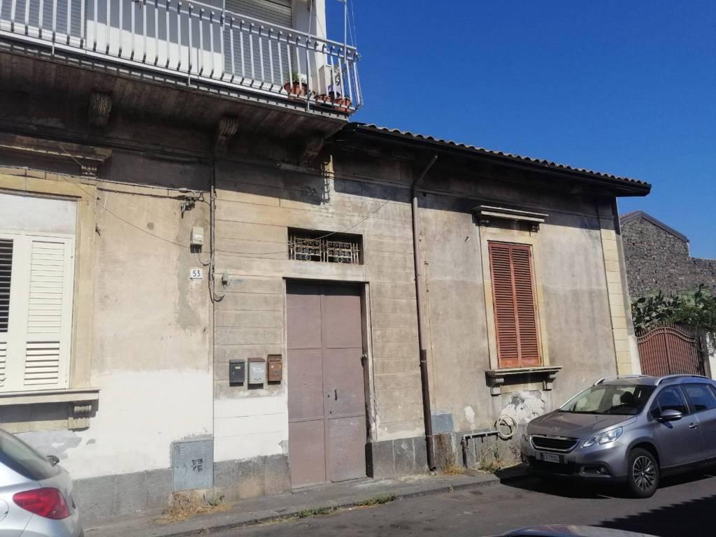Appartamento in vendita a Catania, 5 locali, prezzo € 99.000 | PortaleAgenzieImmobiliari.it