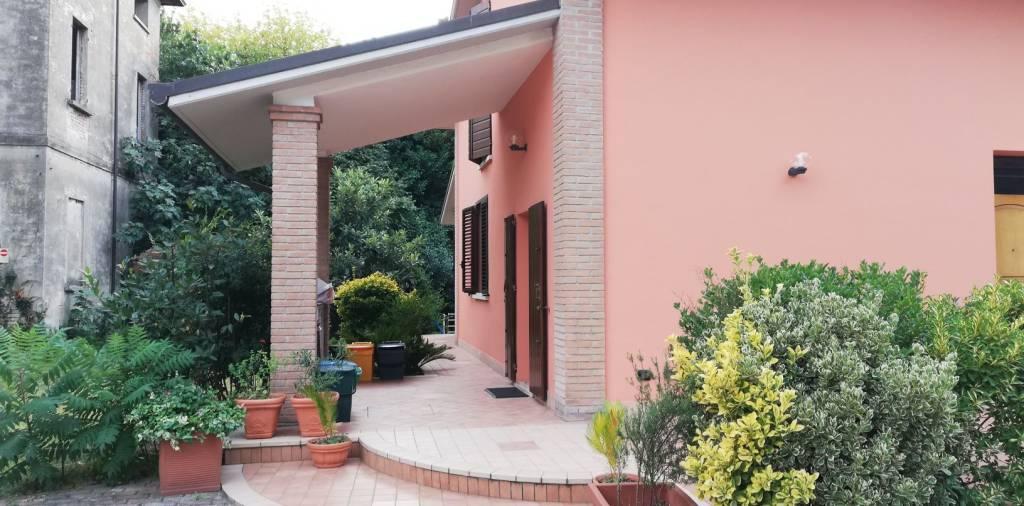 Villa in Vendita a Ravenna Semicentro: 5 locali, 290 mq