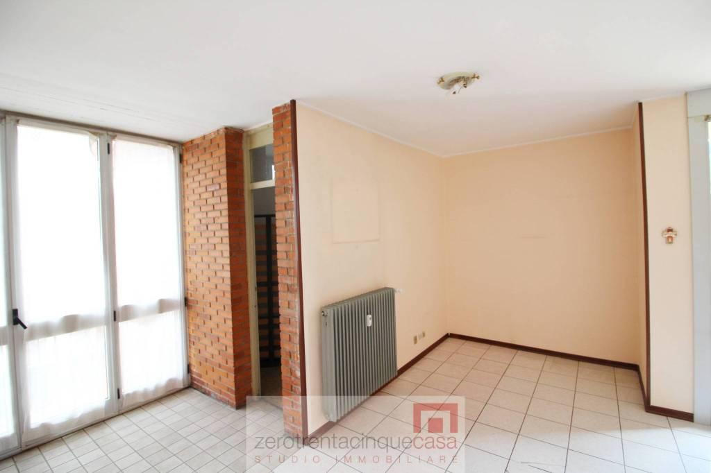 Appartamento in vendita a Villa di Serio, 3 locali, prezzo € 79.000 | CambioCasa.it