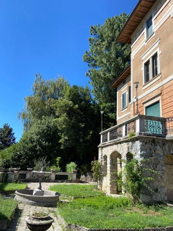 Appartamento in affitto a Varese, 4 locali, prezzo € 1.000 | CambioCasa.it