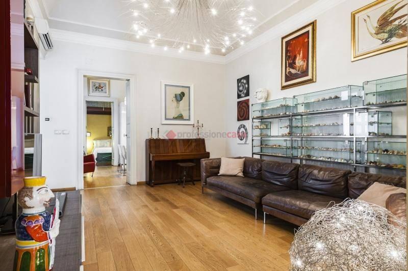 Appartamento in Vendita a Catania Centro: 4 locali, 139 mq