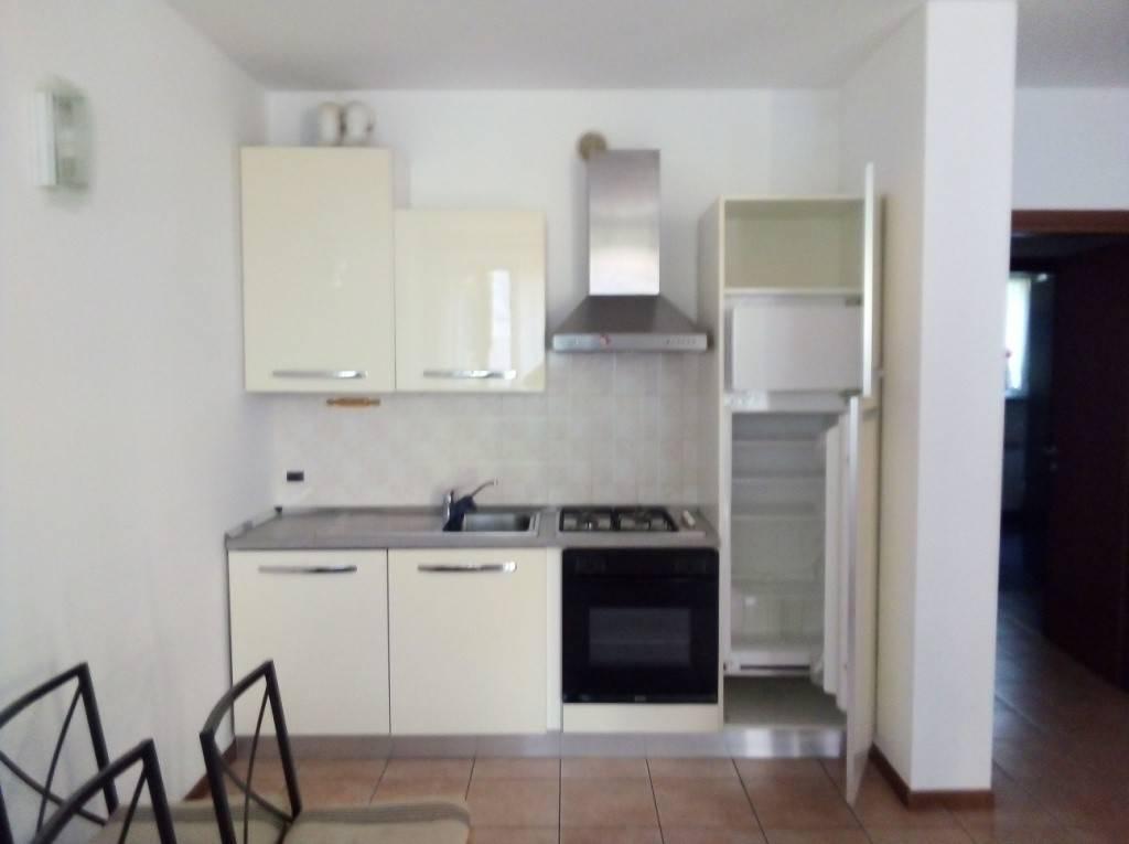 Appartamento in affitto a Capriate San Gervasio, 2 locali, prezzo € 530 | CambioCasa.it