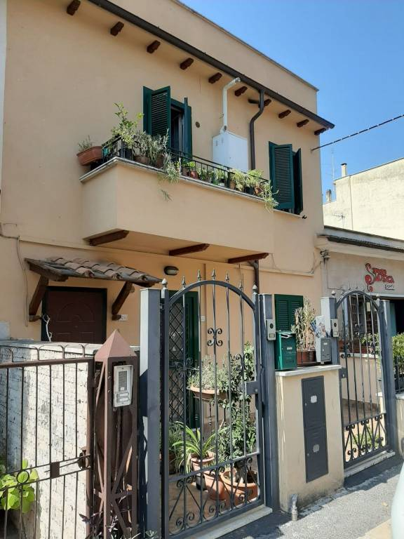 Appartamento in vendita a Riano, 4 locali, prezzo € 140.000 | PortaleAgenzieImmobiliari.it