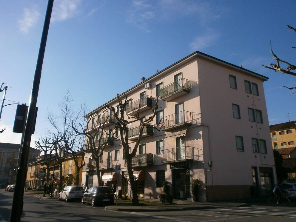 Negozio / Locale in affitto a Pessano con Bornago, 9999 locali, prezzo € 1.100   PortaleAgenzieImmobiliari.it