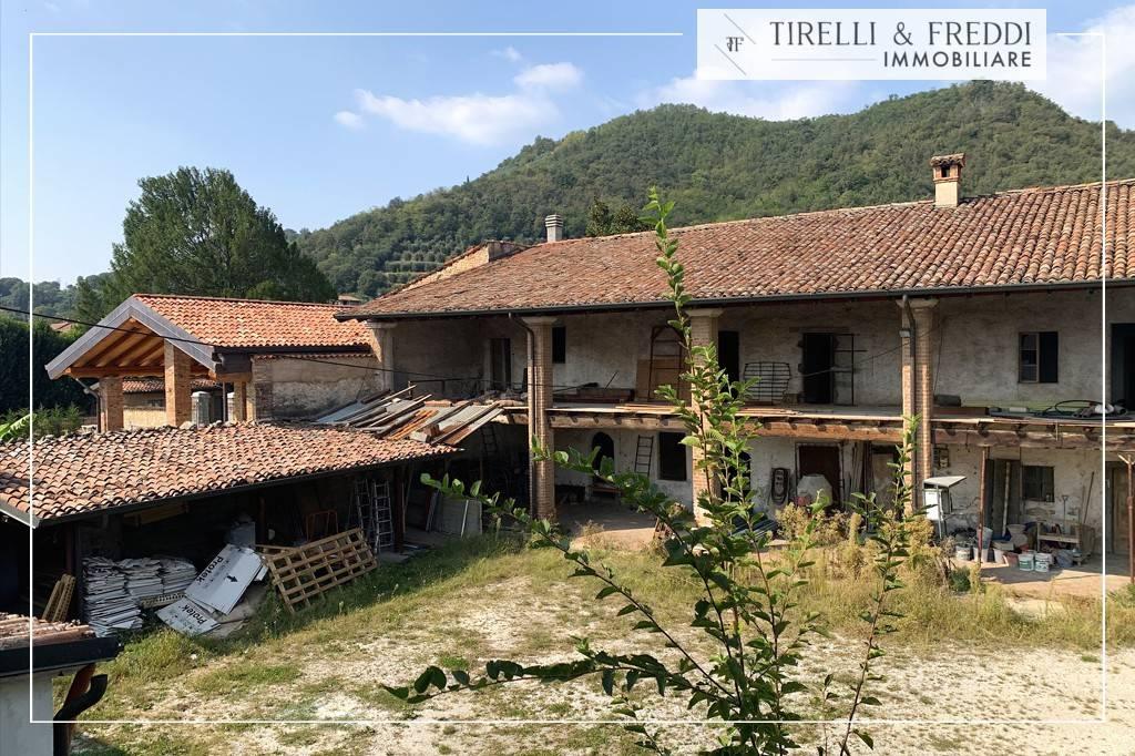 Rustico / Casale in vendita a Rodengo-Saiano, 12 locali, prezzo € 499.000 | PortaleAgenzieImmobiliari.it