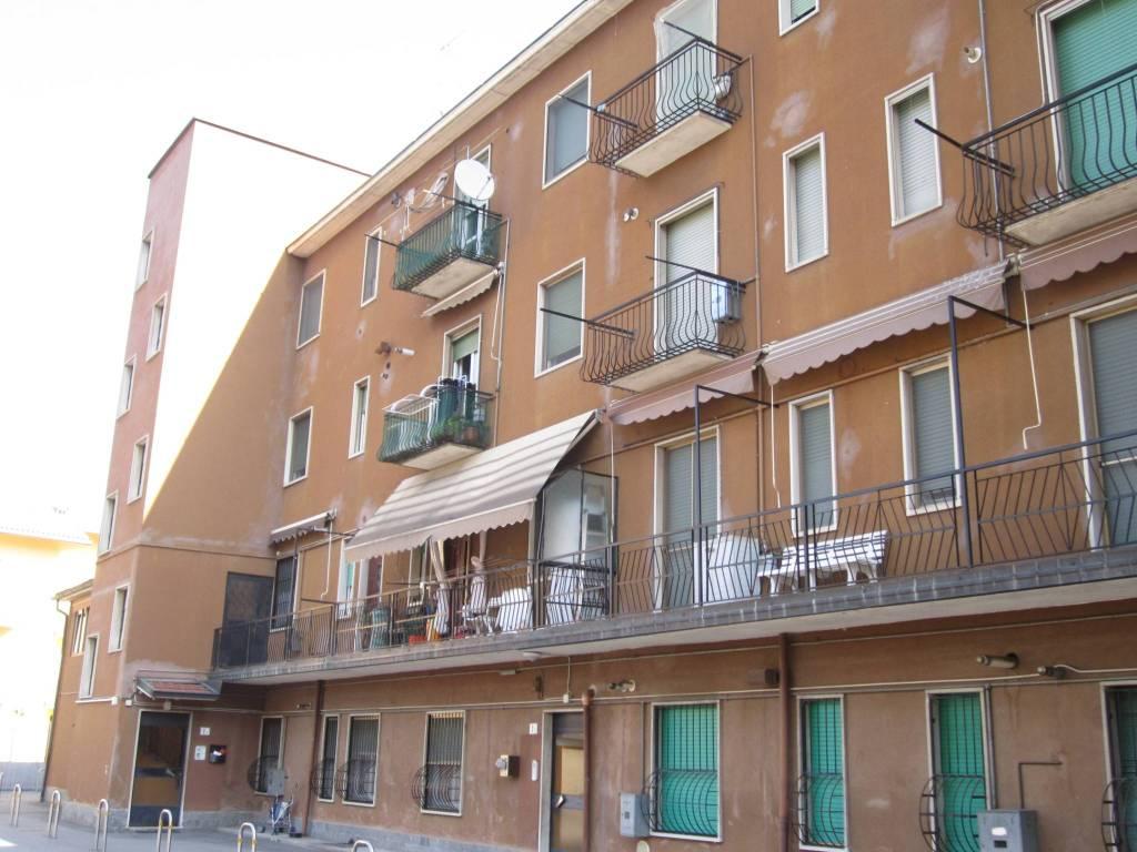 Appartamento in vendita a Peschiera Borromeo, 2 locali, prezzo € 75.000   CambioCasa.it