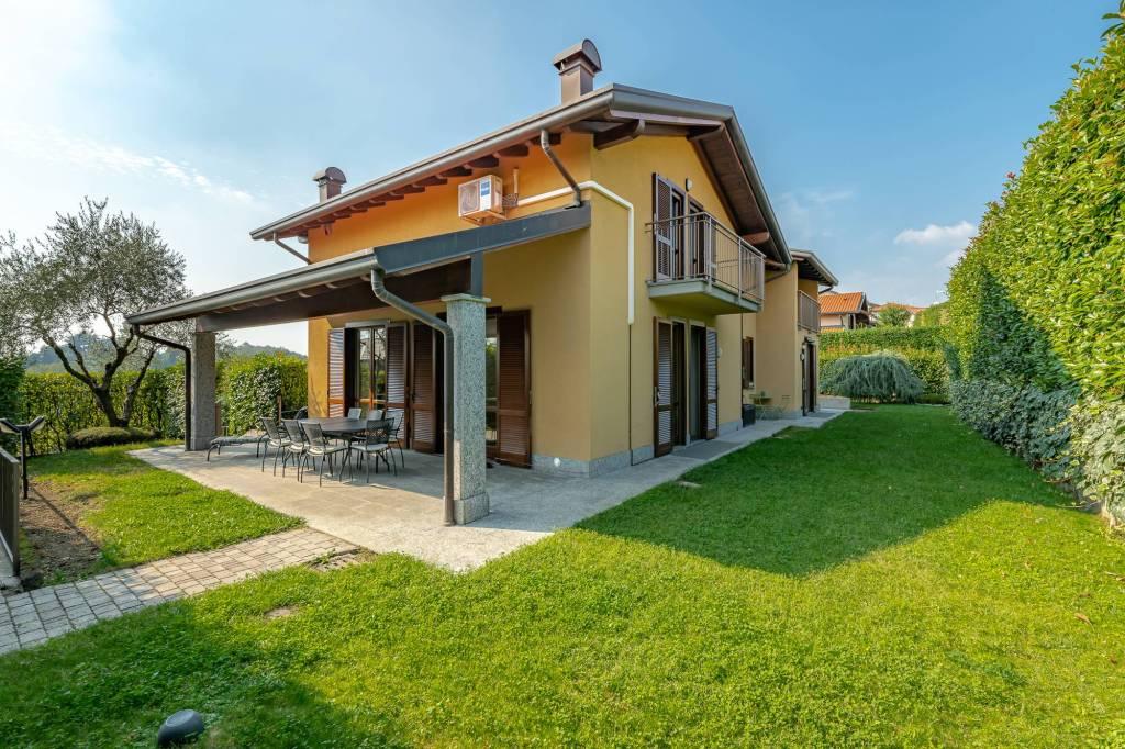 Villa in vendita a Capiago Intimiano, 7 locali, prezzo € 590.000 | PortaleAgenzieImmobiliari.it