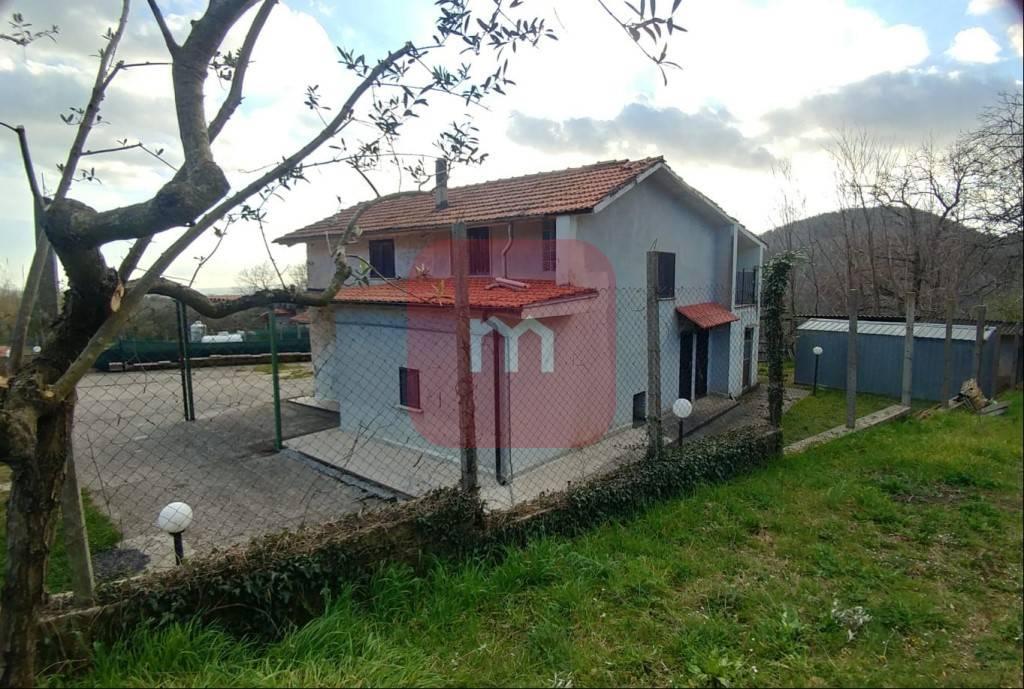 Appartamento in vendita a Rocca di Cave, 7 locali, prezzo € 120.000 | PortaleAgenzieImmobiliari.it