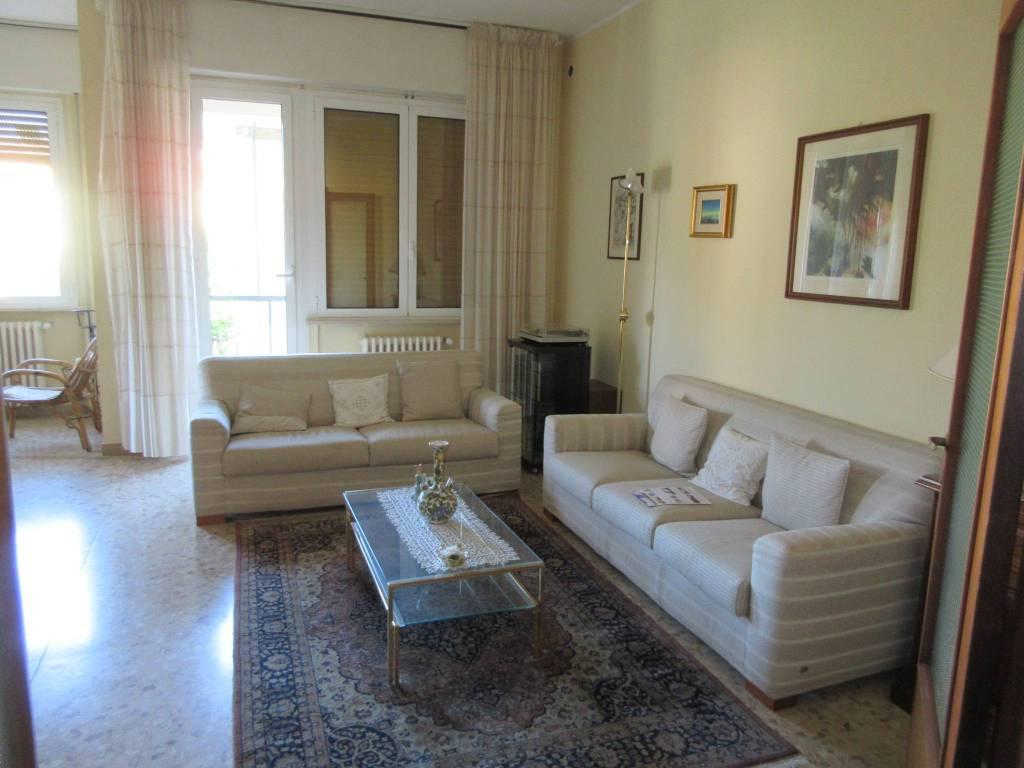 Appartamento in vendita a Pesaro, 4 locali, prezzo € 245.000 | PortaleAgenzieImmobiliari.it