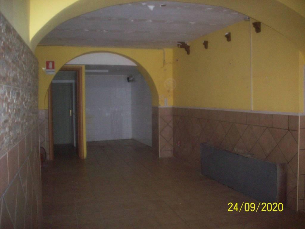 Negozio / Locale in affitto a Ariccia, 1 locali, prezzo € 600 | CambioCasa.it