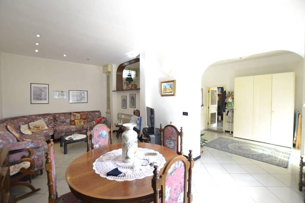 Villa in Vendita a Riccione Centro: 5 locali, 250 mq