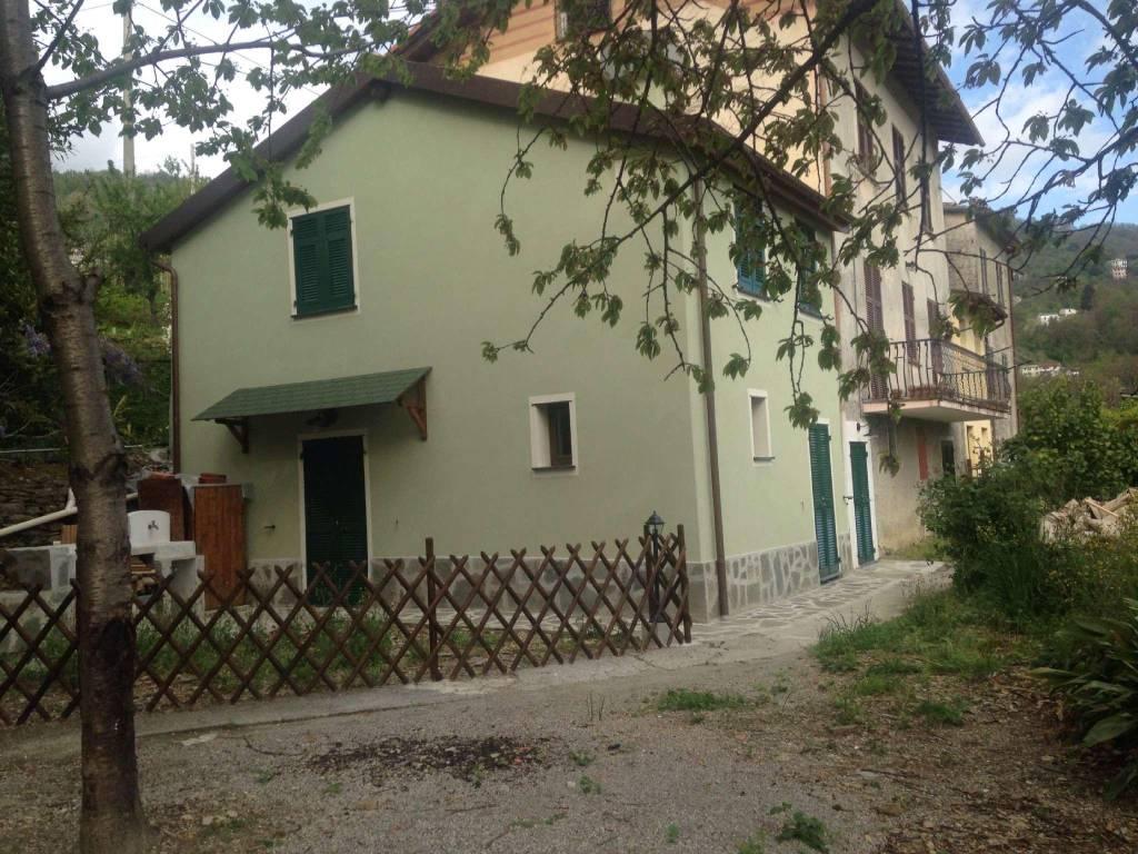 Appartamento in vendita a Uscio, 4 locali, prezzo € 170.000   CambioCasa.it