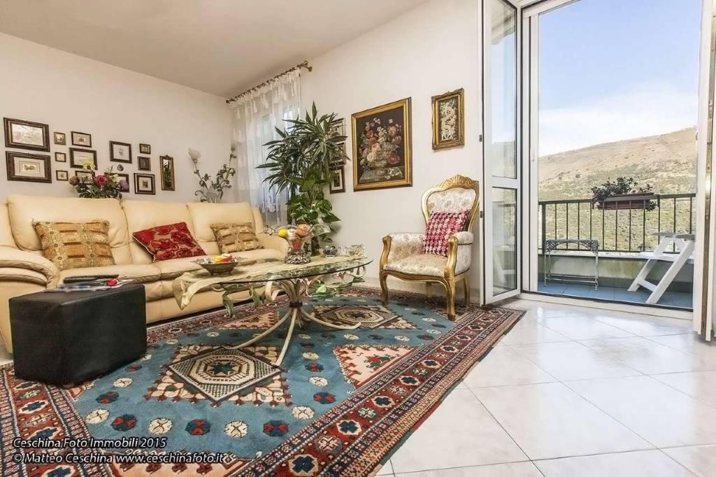 Appartamento in vendita a Bogliasco, 6 locali, prezzo € 329.000   CambioCasa.it