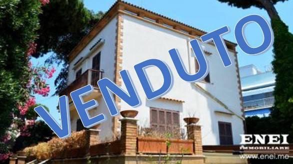 Villa in vendita a Anzio, 7 locali, prezzo € 390.000 | CambioCasa.it