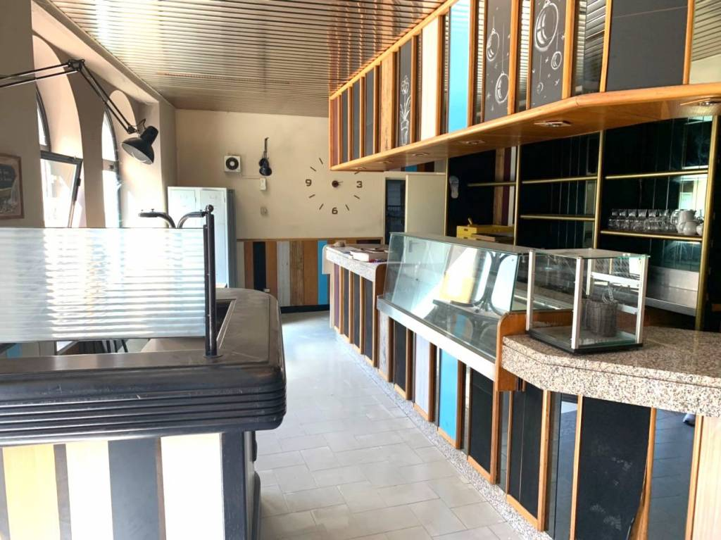 Ristorante / Pizzeria / Trattoria in vendita a Borgo Ticino, 6 locali, Trattative riservate | CambioCasa.it
