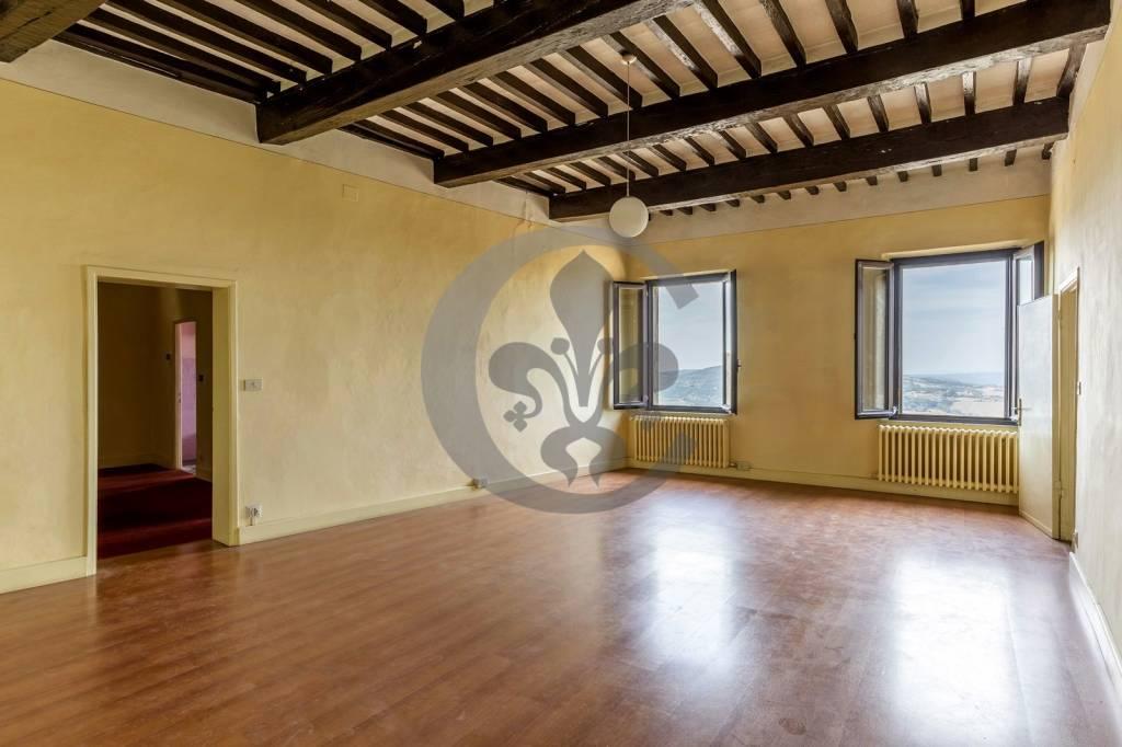 Attico / Mansarda in vendita a Montepulciano, 6 locali, prezzo € 360.000 | PortaleAgenzieImmobiliari.it