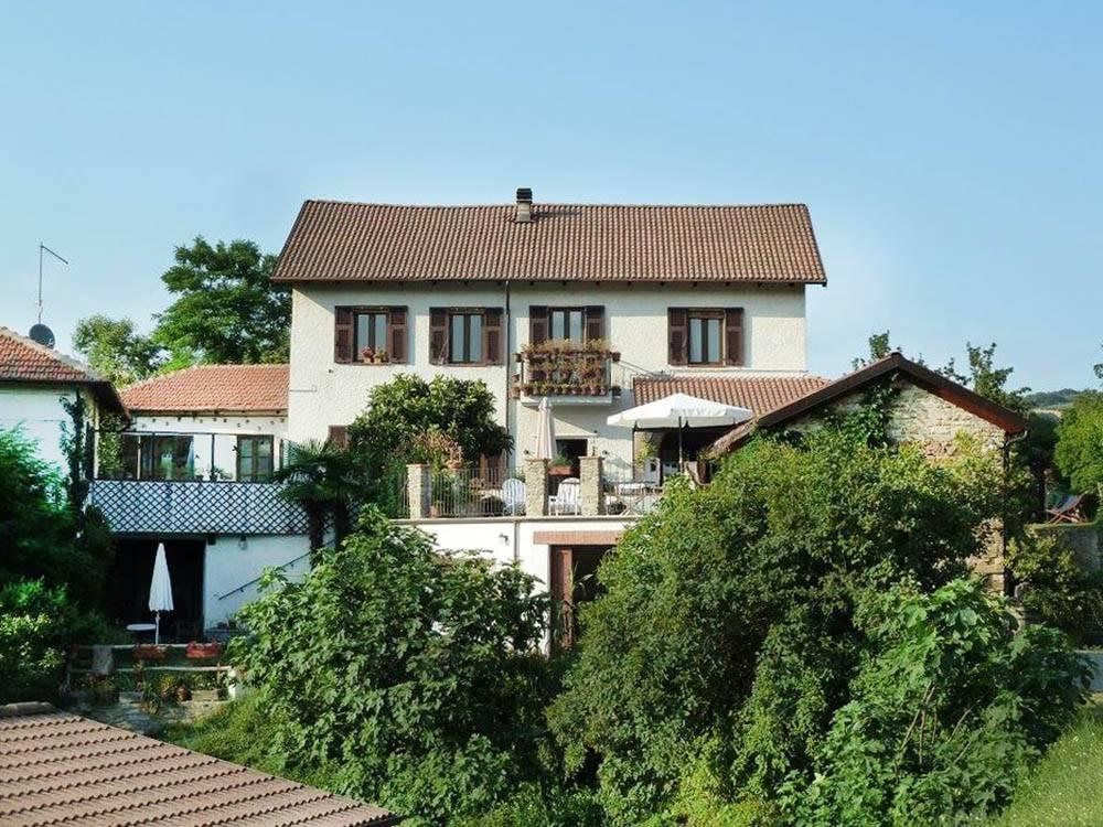 Villa in vendita a Ponti, 11 locali, prezzo € 450.000 | CambioCasa.it