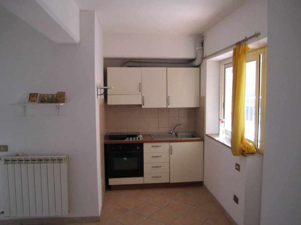Appartamento in vendita a Rignano Flaminio, 2 locali, prezzo € 41.000   PortaleAgenzieImmobiliari.it