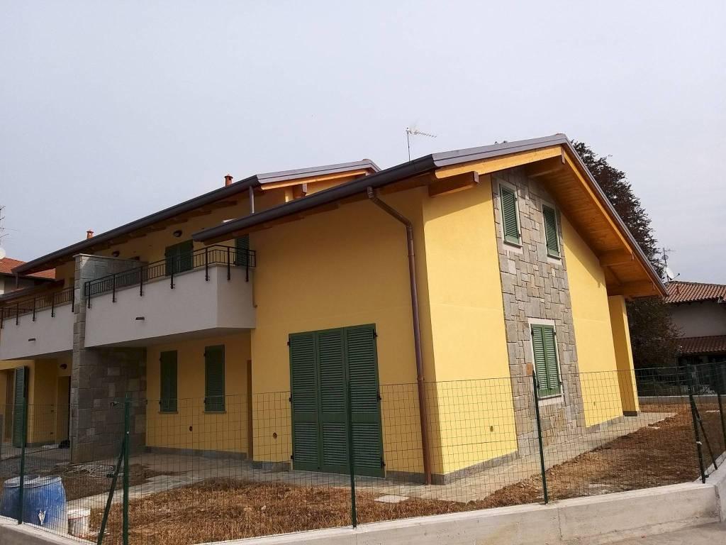 Villa in vendita a Lurate Caccivio, 5 locali, prezzo € 355.000 | PortaleAgenzieImmobiliari.it