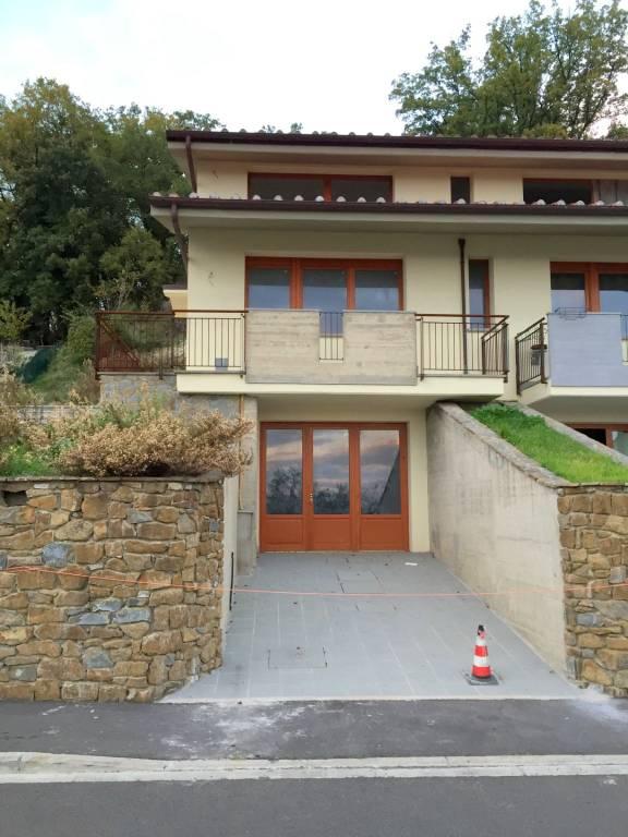 Casa indipendente in Affitto a Pelago Periferia: 4 locali, 130 mq