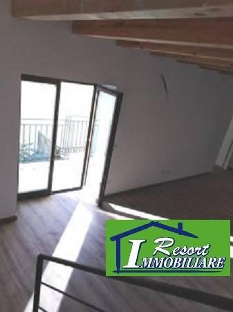 Appartamento in ottime condizioni in vendita Rif. 8188115