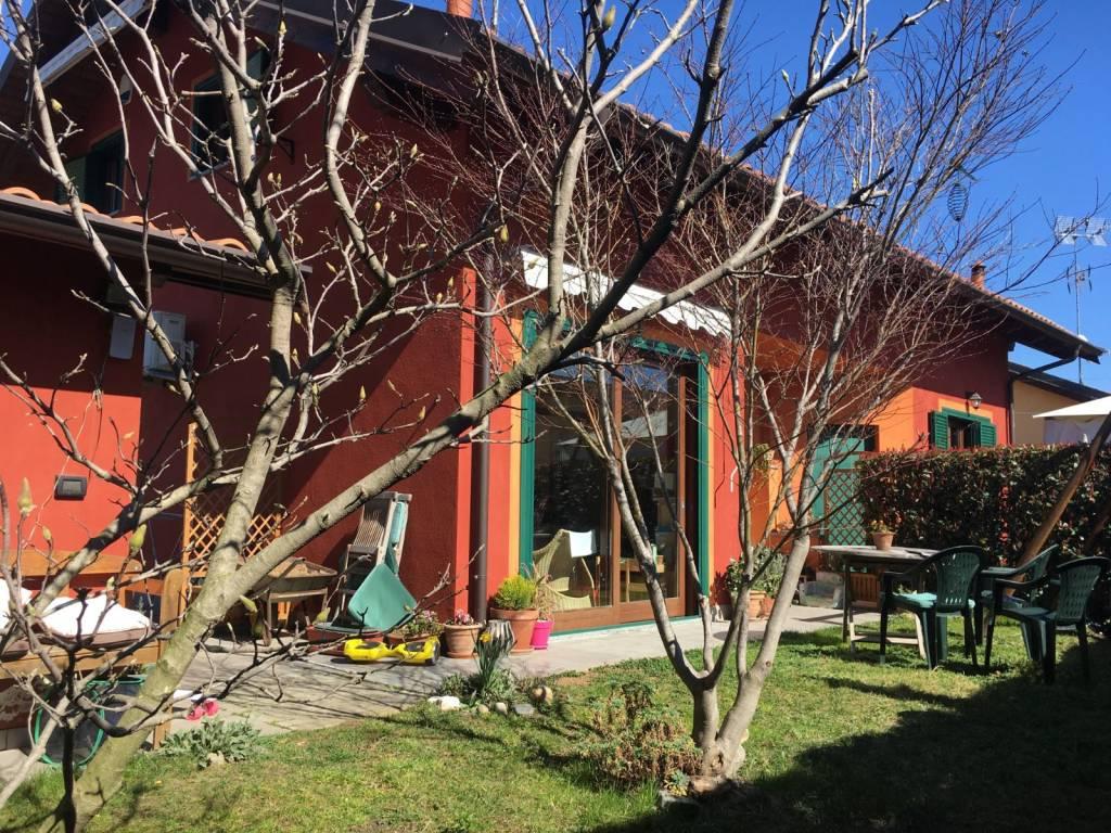 Villa in vendita a Mazzè, 4 locali, prezzo € 139.000 | CambioCasa.it