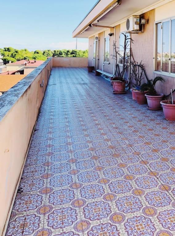 Attico / Mansarda in buone condizioni parzialmente arredato in vendita Rif. 8760505
