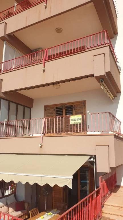 Appartamento in buone condizioni parzialmente arredato in vendita Rif. 7993077