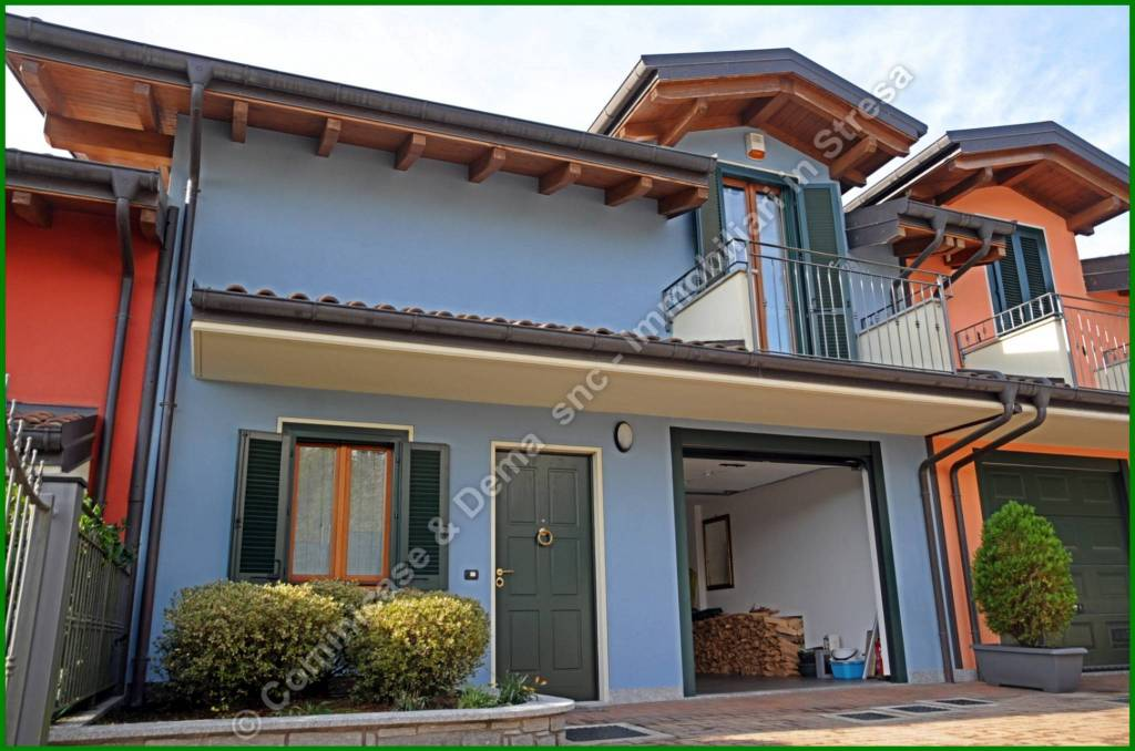 Villa a Schiera in vendita a Meina, 5 locali, prezzo € 248.000 | PortaleAgenzieImmobiliari.it