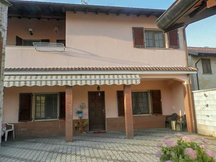 Villa in vendita a Borgolavezzaro, 3 locali, prezzo € 90.000 | PortaleAgenzieImmobiliari.it