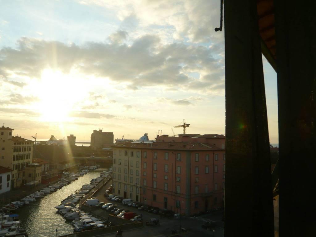 Appartamento in Vendita a Livorno Centro: 5 locali, 80 mq