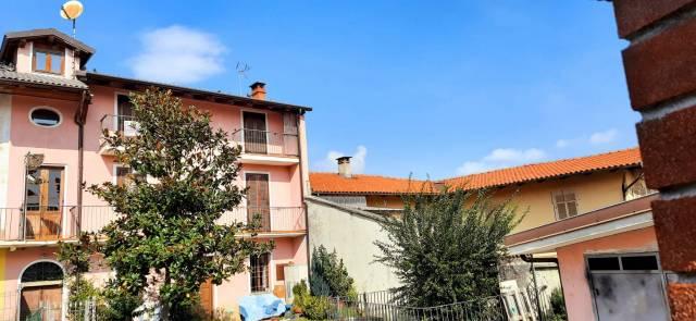 Appartamento in vendita a Caraglio, 2 locali, prezzo € 82.000   CambioCasa.it
