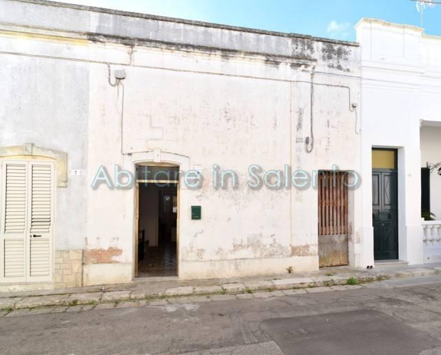Soluzione Indipendente in vendita a Castrignano del Capo, 4 locali, prezzo € 55.000 | CambioCasa.it
