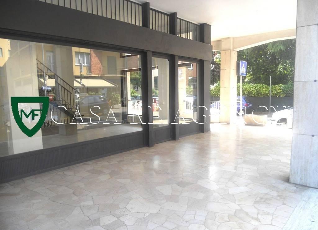 Negozio / Locale in affitto a Varese, 2 locali, prezzo € 800 | CambioCasa.it
