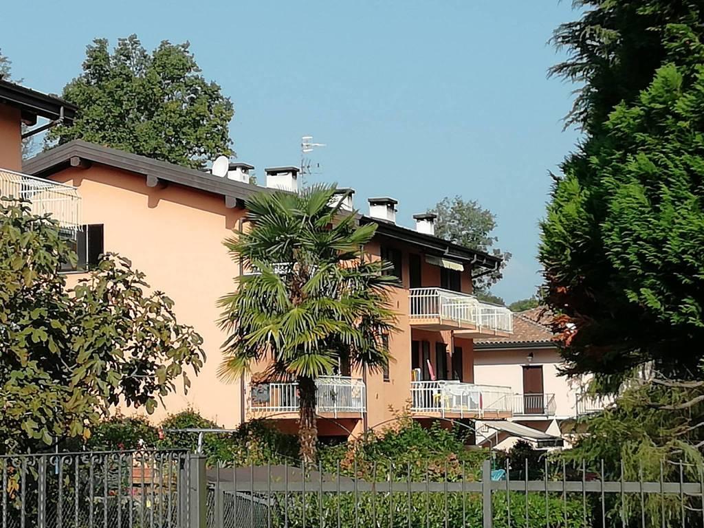 Appartamento in vendita a Leggiuno, 3 locali, prezzo € 115.000 | CambioCasa.it