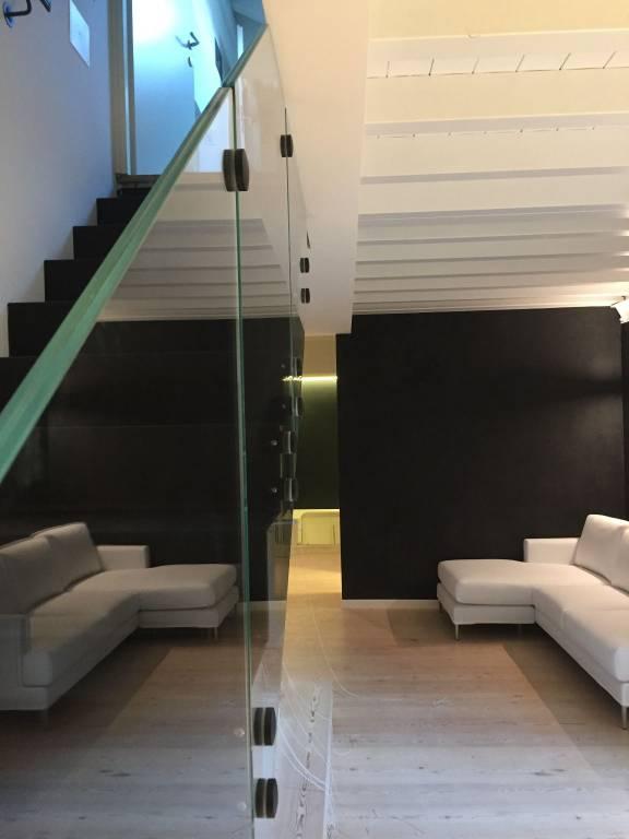 Appartamento in affitto a Verona, 4 locali, zona Veronetta, prezzo € 1.200 | PortaleAgenzieImmobiliari.it