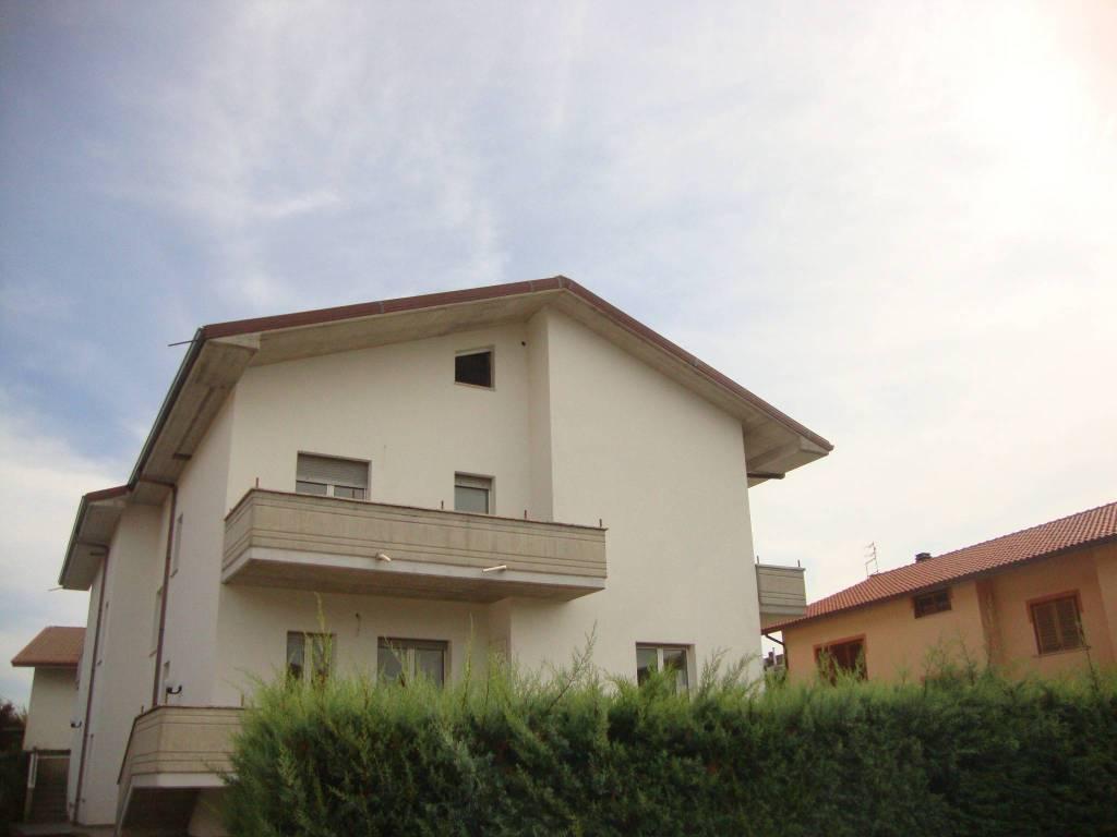 Villa in vendita Rif. 8035827