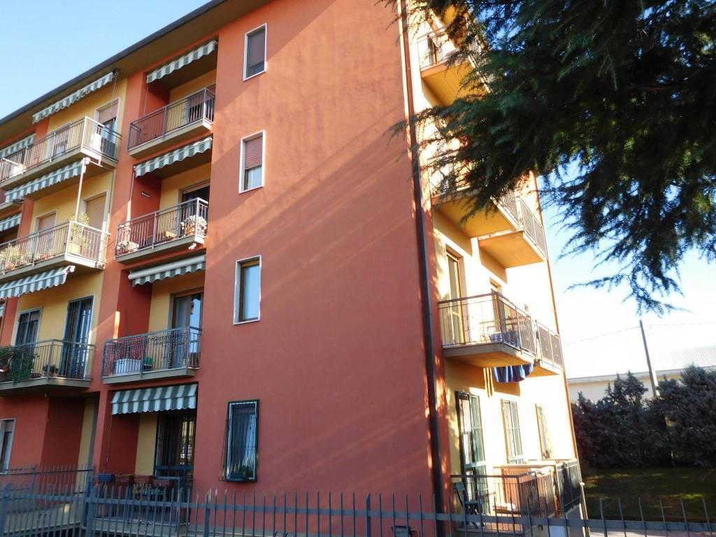 Appartamento in vendita a Seriate, 4 locali, prezzo € 145.000 | CambioCasa.it