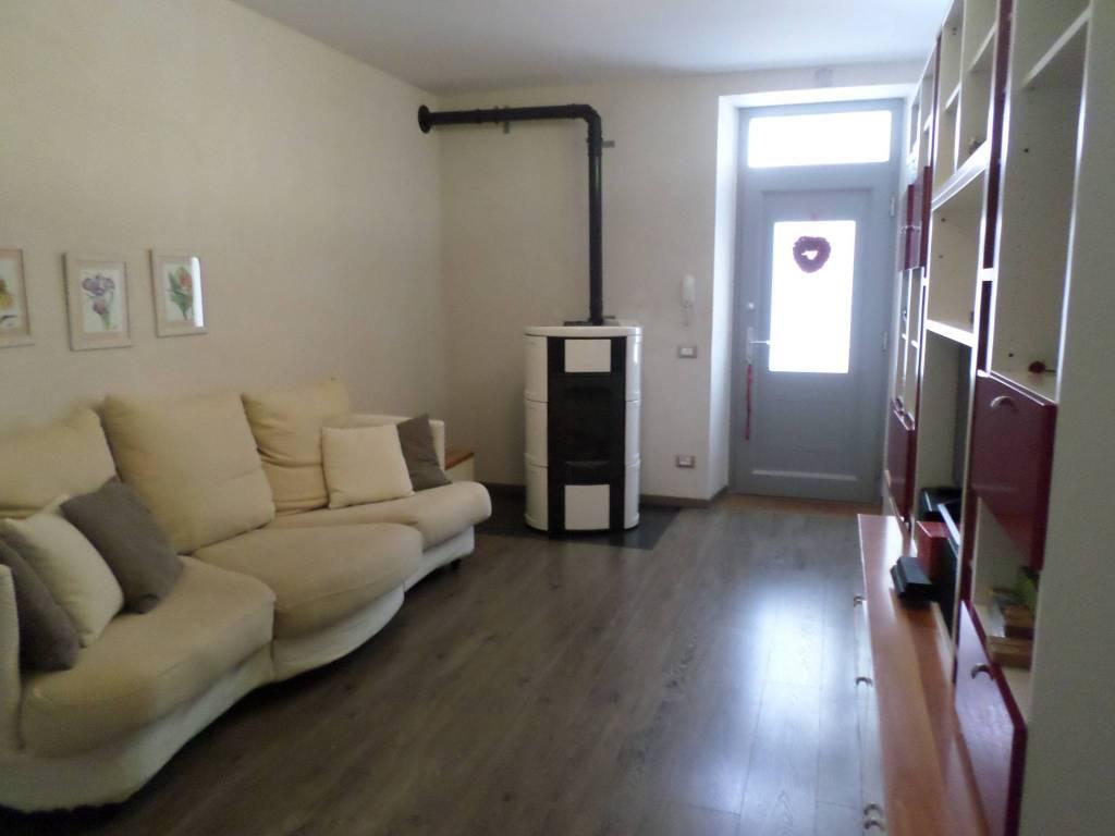 Appartamento in vendita a Seriate, 3 locali, prezzo € 145.000 | CambioCasa.it