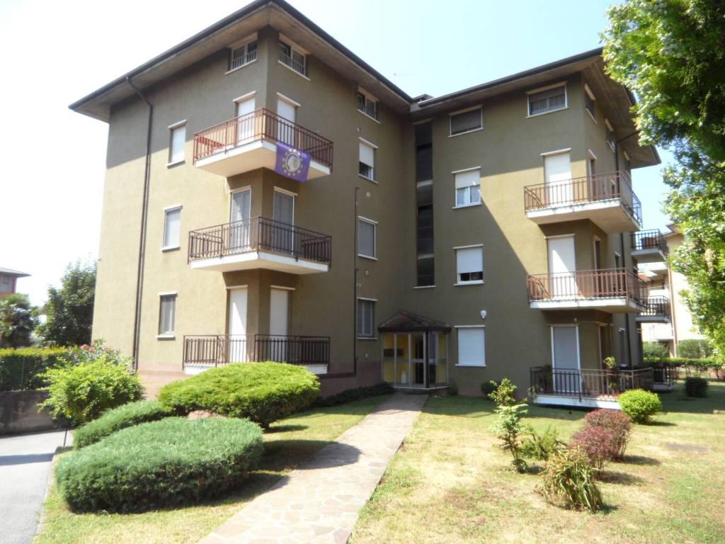 Appartamento in vendita a Grassobbio, 3 locali, prezzo € 95.000 | CambioCasa.it