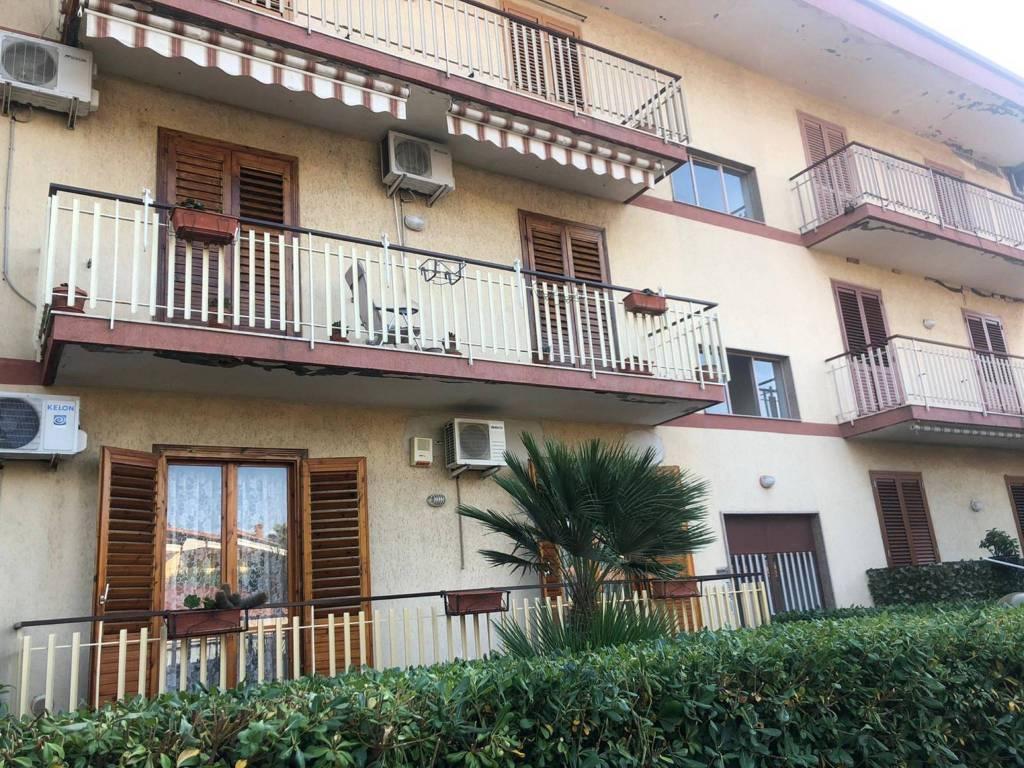 Appartamento in Vendita a Aci Sant'Antonio Centro: 3 locali, 90 mq