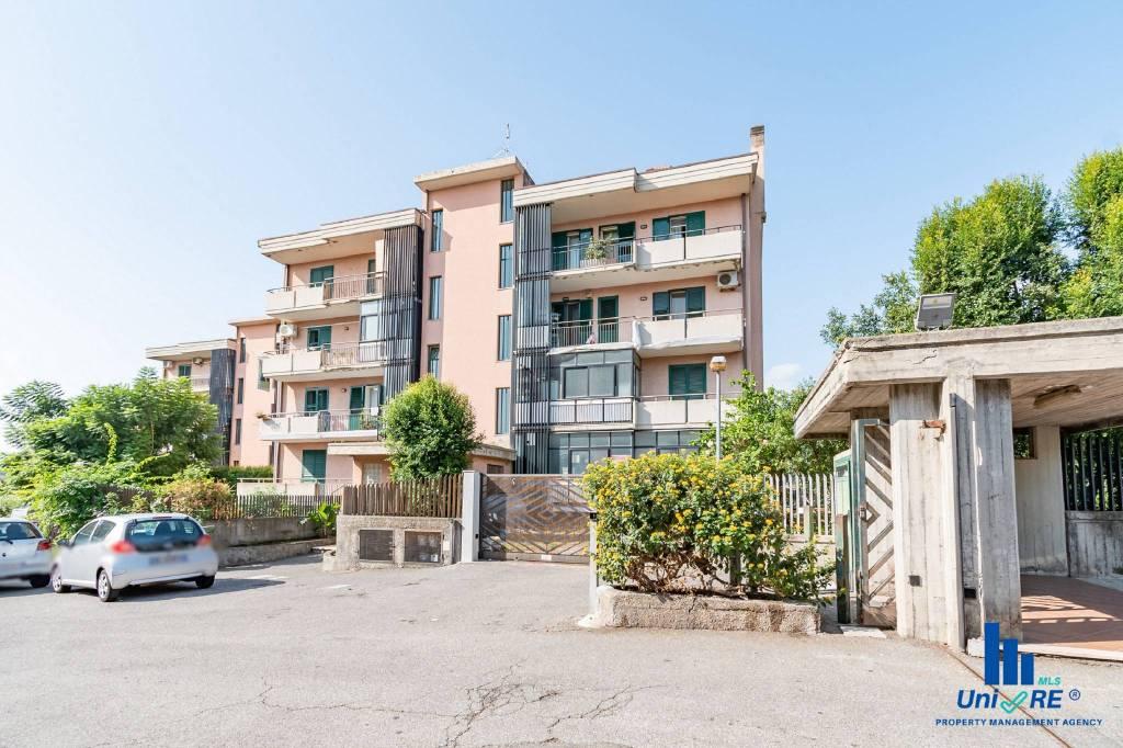 Appartamento in Vendita a Aci Catena Centro: 5 locali, 120 mq