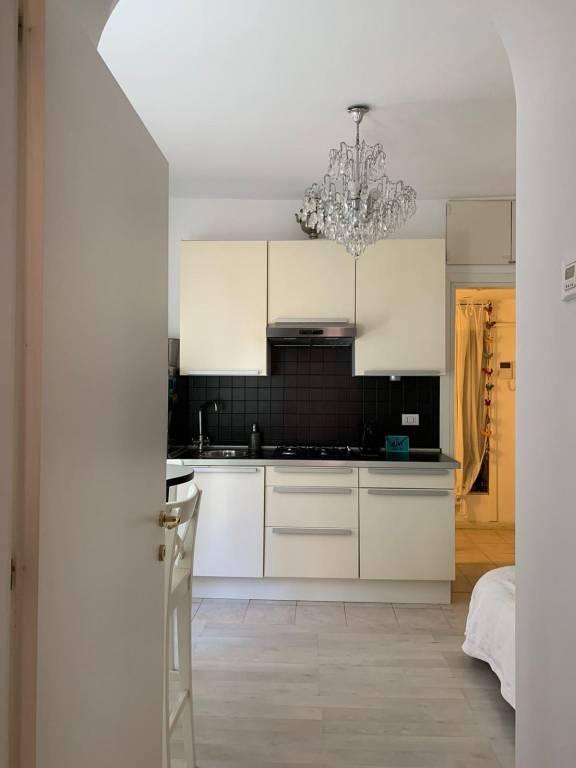 Appartamento in affitto a Milano, 2 locali, zona Zona: 1 . Centro Storico, Duomo, Brera, Cadorna, Cattolica, prezzo € 1.000 | CambioCasa.it