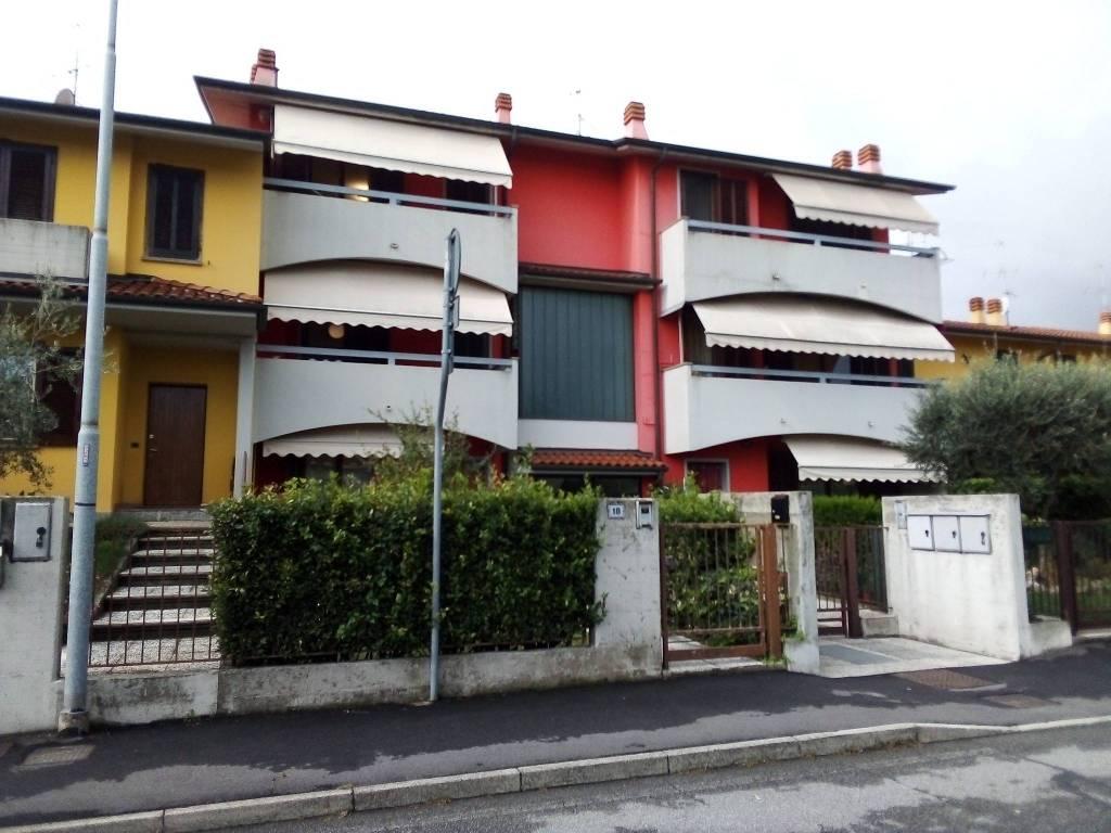 Appartamento in vendita a Zanica, 4 locali, prezzo € 162.000 | CambioCasa.it