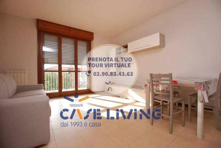 Appartamento in ottime condizioni parzialmente arredato in affitto Rif. 7793427
