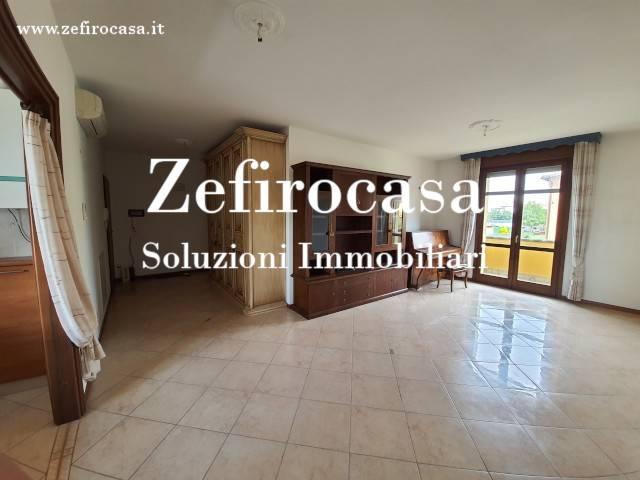 Appartamento in Vendita a Sant'Agata Bolognese Periferia: 3 locali, 96 mq